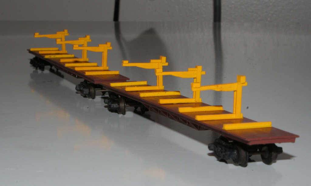 Kitbashed VZRF rail flat from a Lima container wagon