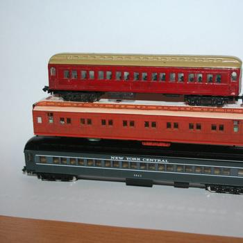 N scale passenger cars compared - Bachmann on top, then Spirit Design AE and then a Model Power car
